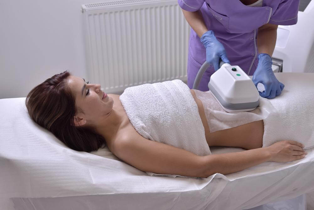 Body Contouring, Body Contouring FAQs: What Happens During a CoolSculpting Session?